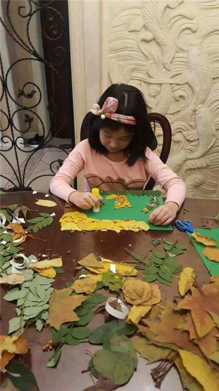 开始制作喽-秋天的怀念 树叶贴画活动